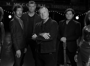 GIG REVIEW: Simple Minds