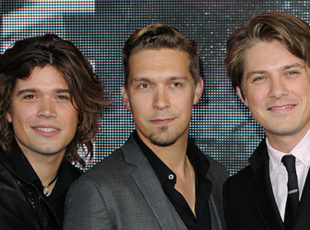 HANSON ANNOUNCES MIDDLE OF EVERYWHERE 25thANNIVERSARY TOUR