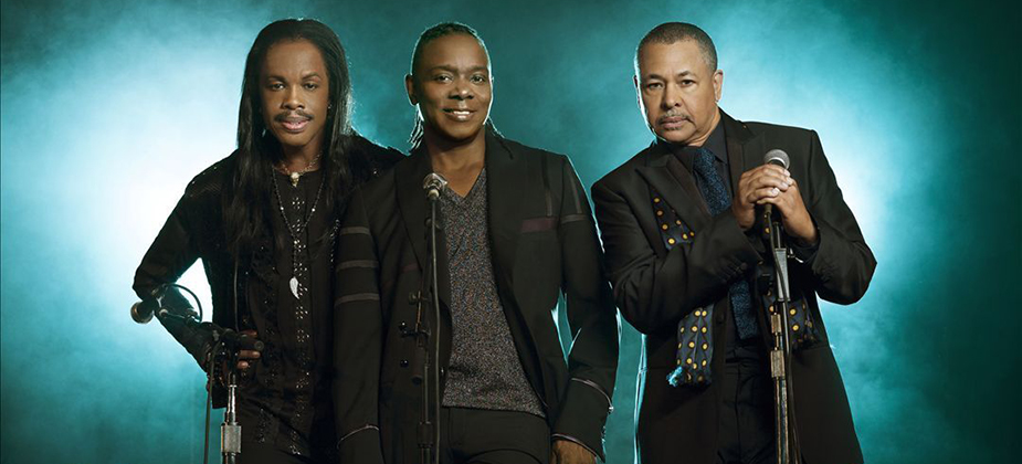 GIG REVIEW: Earth Wind & Fire