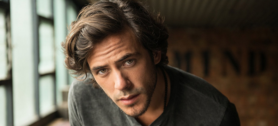 INTERVIEW: Jack Savoretti