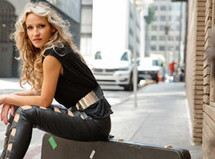 ANA POPOVIC WILL TOUR THE UK IN MAY 2019
