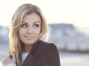 KATHERINE JENKINS OBE ANNOUNCES NEW ALBUM GUIDING LIGHT AND 2019 TOUR