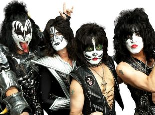 KISS ANNOUNCE END OF THE ROAD TOUR