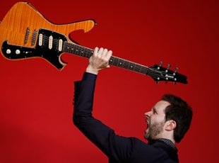 PAUL GILBERT ANNOUNCES HIS BEHOLD ELECTRIC GUITAR TOUR